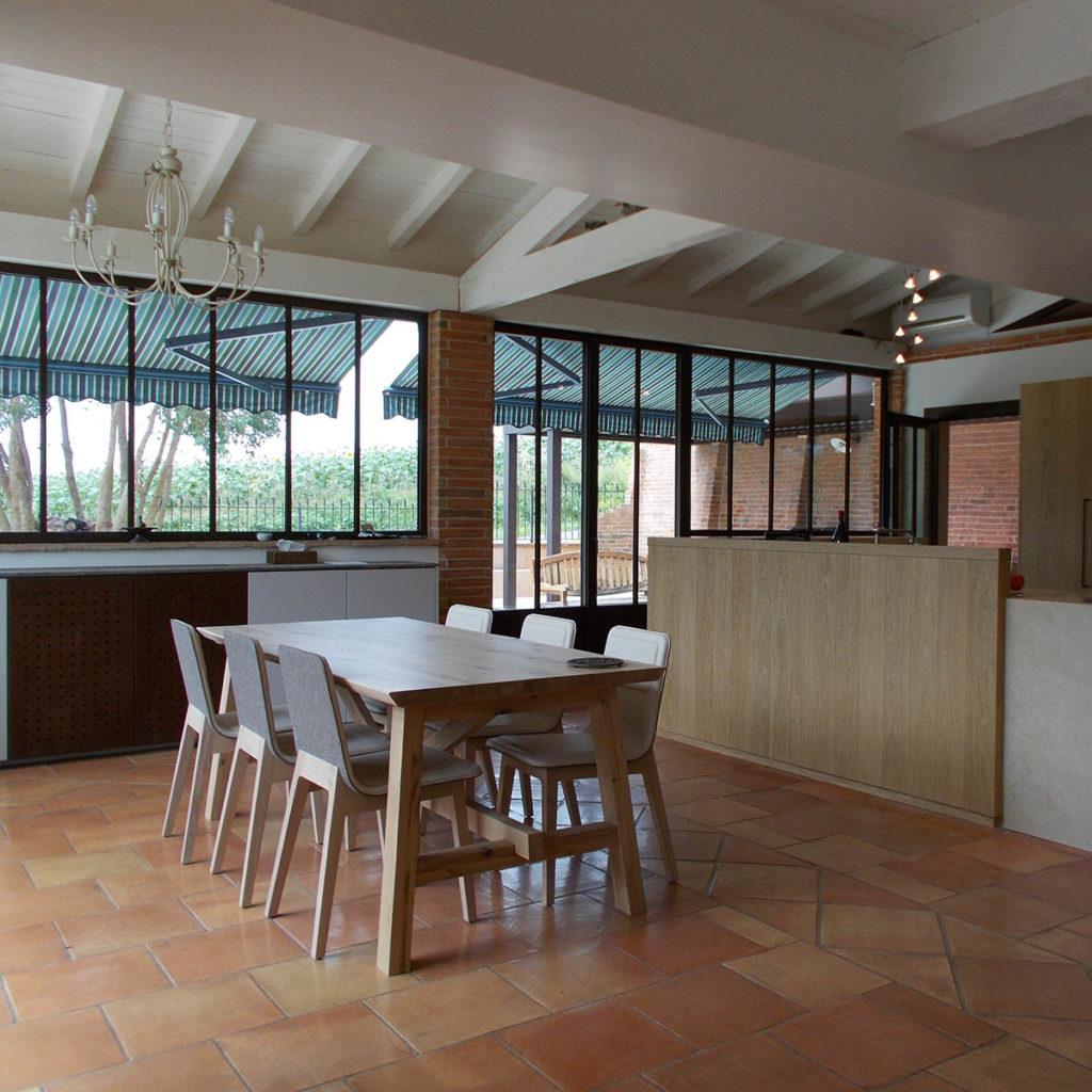 """Visuel d'une cuisine/salle à manger contemporaine pour l'encart """"Agencement privé"""""""