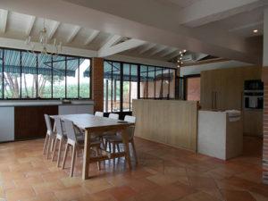 Visuel d'une cuisine/salle à manger contemporaine